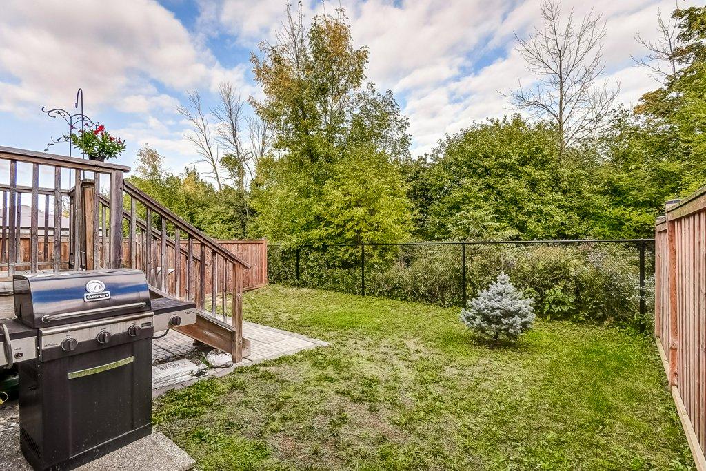 029 144 Echovalley Stoney Creek patio yard bbq - Recently SOLD - Stoney Creek Mountain
