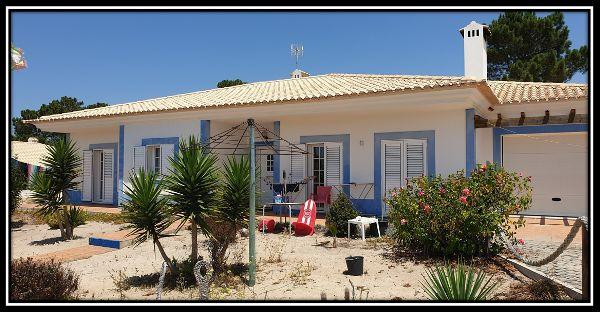 Affordable detached house near Pego Beach