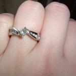 婚約指輪のお返しの相場は同額?