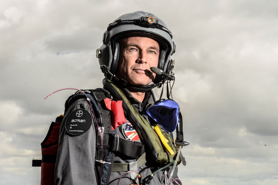 Solar Impulse, test flight Pilot equipement in Moffett CA Bertrand Piccard