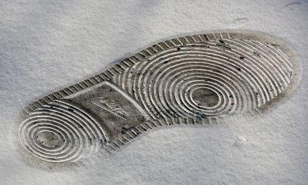 Nike Steps to Erase Carbon Footprint