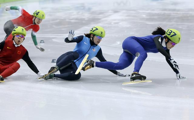 OLYMPICS --  SPEEDSKATING --  SHORT TRACK