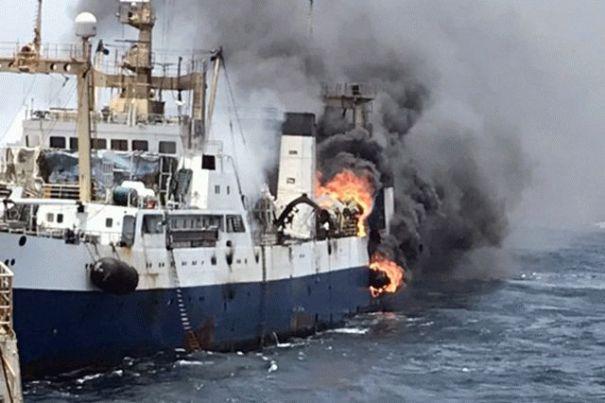 У берегов Африки загорелся украинский корабль