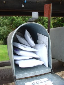 Mailing junk back to junk mailers von Oran Viriyincy from Bothell, WA, United States, CC-BY-SA-2.0 http://creativecommons.org/licenses/by-sa/2.0 via Wikimedia Commons