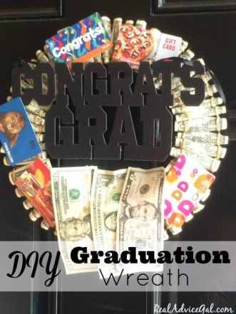 Graduation Personalized Gifts: Money Graduation Wreath