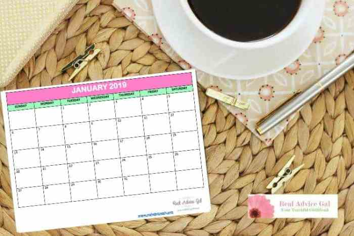 Read these tips on how to use a calendar to save money. We have free printable 2019 calendar, weekly budget calendar and monthly budget calendar all for Free for you to print.