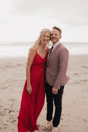 Logan and Deb wedding photo at beach in San Diego