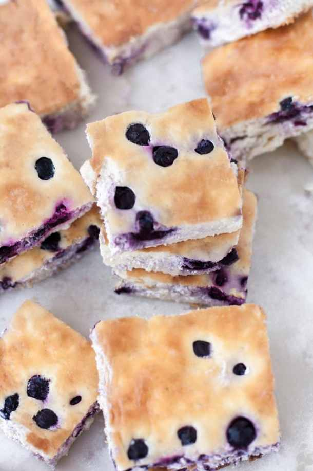 Low-Carb-Blueberry-Cheesecake-Bars