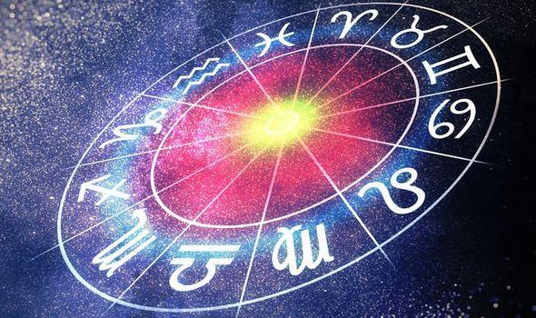Horoscopul săptămânal 28 decembrie 2020 - 3 ianuarie 2021. Este o perioadă bogată emoțional pentru raci, iar leii vor lupta cu propriile frici