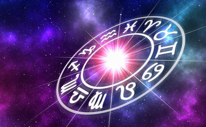 Horoscop săptămânal 4-10 ianuarie 2021. Previziuni complete. Este o perioadă oribilă pentru trei zodii, iar încă doi nativi vor primi o palmă de la viață