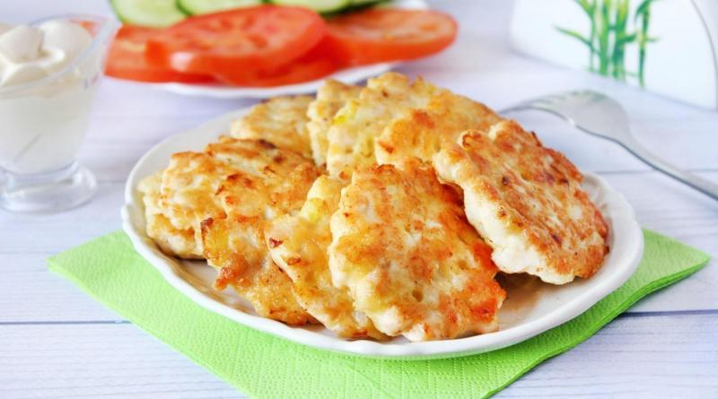 Pârjoale din piept de pui. Vei obține un prânz sau o cină senzațională. Rețeta rapidă care poate fi făcută în 30 de minute