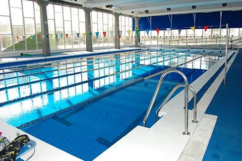 piscina climatizada toma de lectura de temperaturas