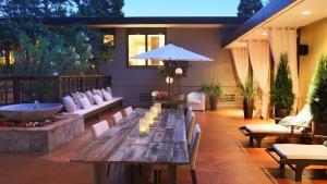 Mid Century Modern Estate Makes A Statement In Santa Rosa