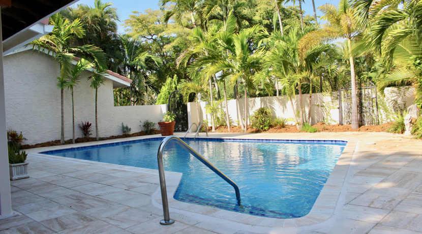 Plantation-pool-home