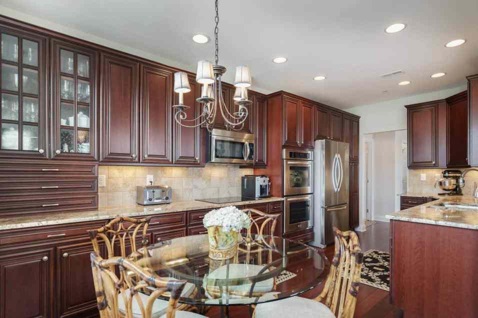 013_10410 Sablewood by MORE Real Estate Group Breakfast Room