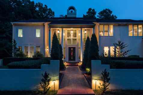 MoreRealEstate-6632_Greywalls_Lane_004_Front Night