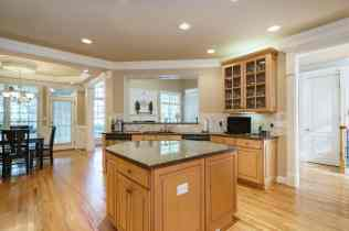 012 - 205 Settlecroft Presented by MORE Real Estate_Kitchen