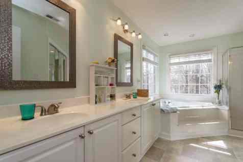 017_106 Huntsmoor Lane Presented by MORE Real Estate_Master Bathroom