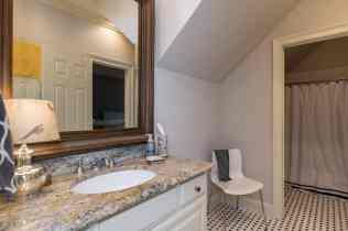 028_10901 Grand Journey Presented by MORE Real Estate_Bathroom