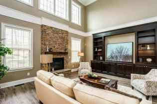 010_7301 Incline Drive Presented by MORE Real Estate_ Great Room