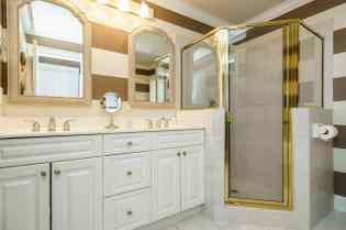 027_7205 Mira Mar Place Presented by MORE Real Estate_ Bathroom