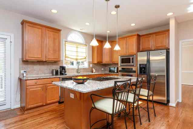 010_1708 Wescott Drive Presented by MORE Real Estate_Kitchen