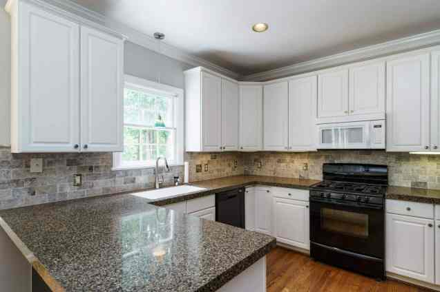 011_4325 Belnap Drive Presented by MORE Real Estate_ Kitchen