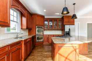 014_12516 Angel Falls Road Presented by MORE Real Estate_Kitchen
