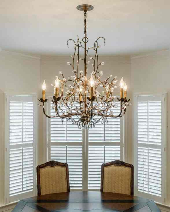 011 Stonehenge Beaut on Riddle Place presented by MORE Real Estate Group_Dining Light fixture
