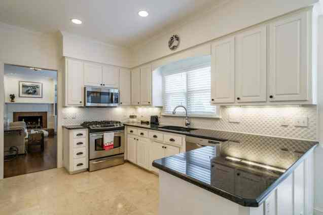 012 Stonehenge Beaut on Riddle Place presented by MORE Real Estate Group_ Kitchen