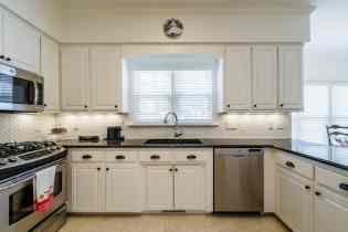 013 Stonehenge Beaut on Riddle Place presented by MORE Real Estate Group_ Kitchen
