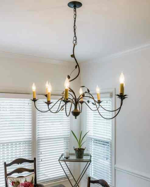 020 Stonehenge Beaut on Riddle Place presented by MORE Real Estate Group_ Breakfast light fixture