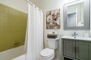 037-1920x1080-bathroom