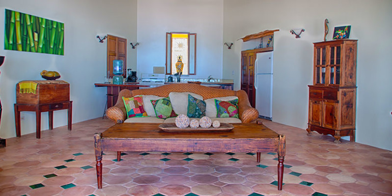belize-luxury-villa-living-room-770x386