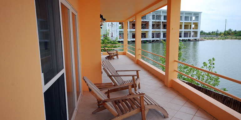 belize-waterfront-villa-view1-770x386