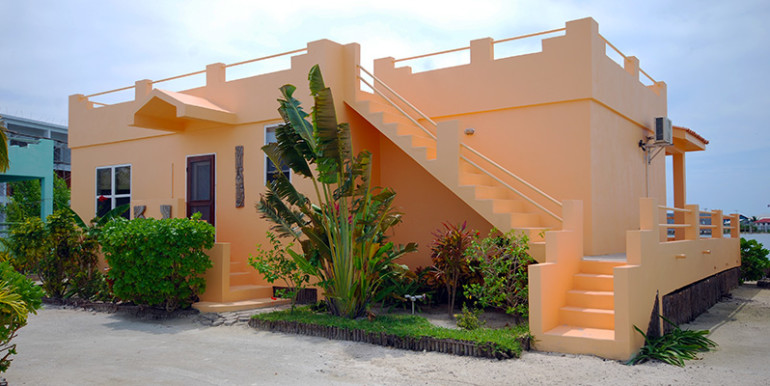 belize-waterfront-villa1-770x386