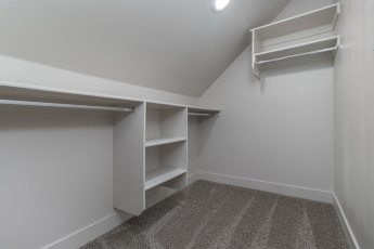 20---Bedroom-2-Closet