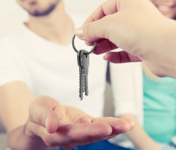 handing-over-keys-resized-1