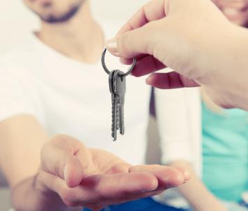 handing-over-keys-resized-1