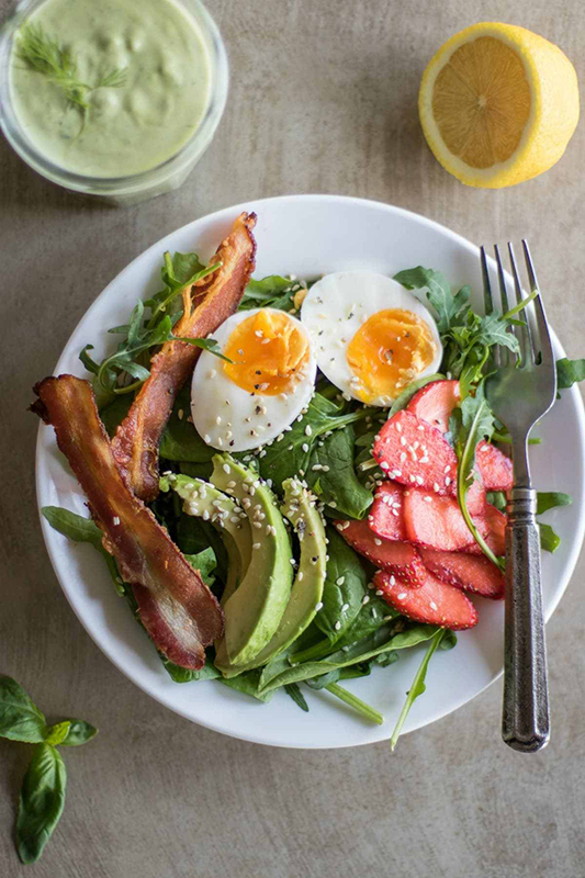 The Best of Whole30 Recipe Roundup l bacon and strawberry breakfast salad