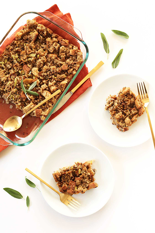 Healthy Thanksgiving Sides Recipe Roundup l simple vegan stuffing