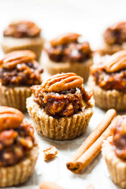 Healthy Thanksgiving Sides Recipe Roundup l no bake pecan pie mini tarts