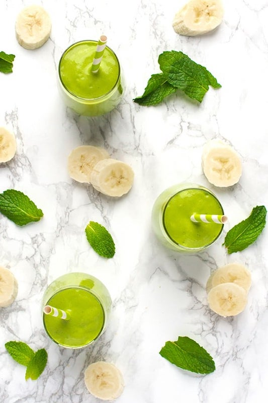 st paddys day drink, st paddys day beverage, green smoothie, green shake