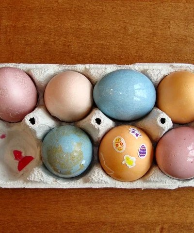 DIY Easter Egg Dye