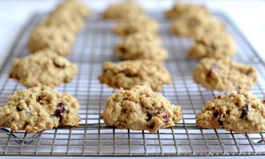 cranberry chocolate oatmeal cookies rack rfrd