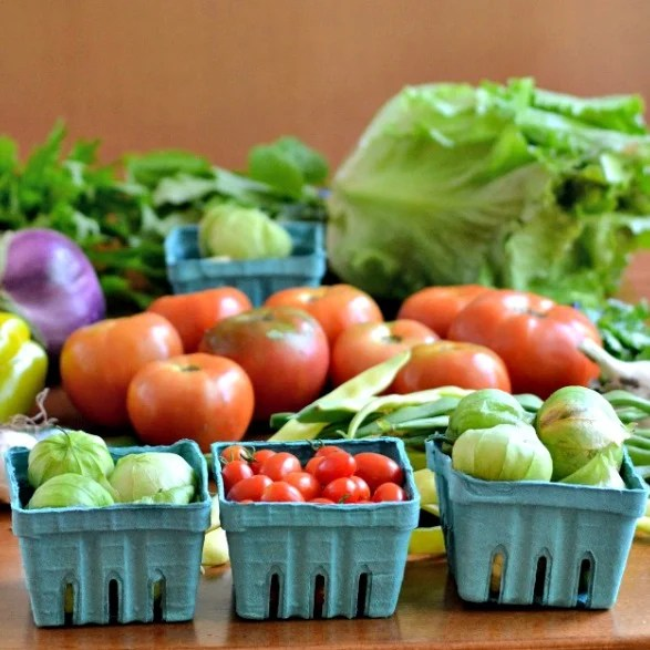 Meal planning can be tricky with all the vegetables from a farm share, but it's totally doable with my easy method!