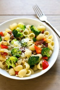 Lemon Broccoli pasta is a quick, easy dinner recipe that's healthy too. Best of all, it costs just over $1 per serving! Recipe from realfoodrealdeals.com