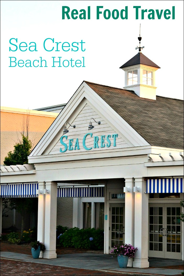 The Sea Crest Beach Hotel in Falmouth, Massachusetts is a fantastic family travel destination. Its restaurant serves delicious, locally sourced food to keep your vacation healthy.