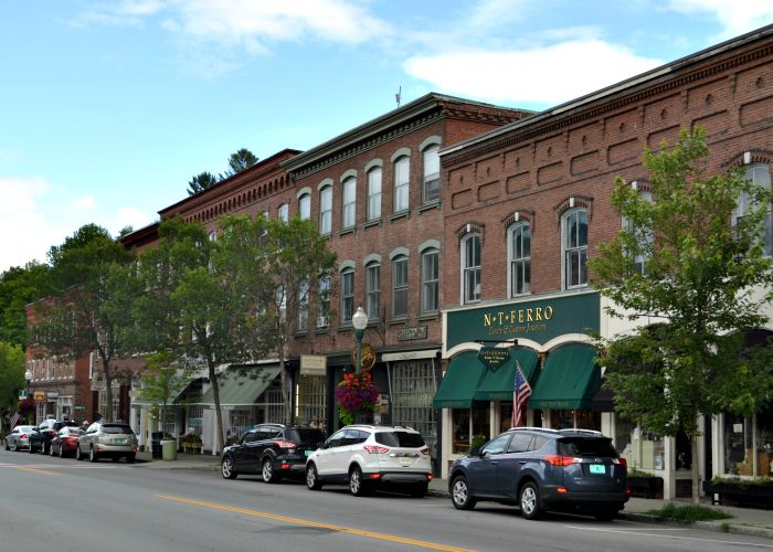 Downtown Woodstock, Vermont is full of fun shops and restaurants.