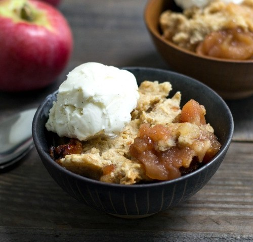 Healthy Crock Pot apple cobbler recipe